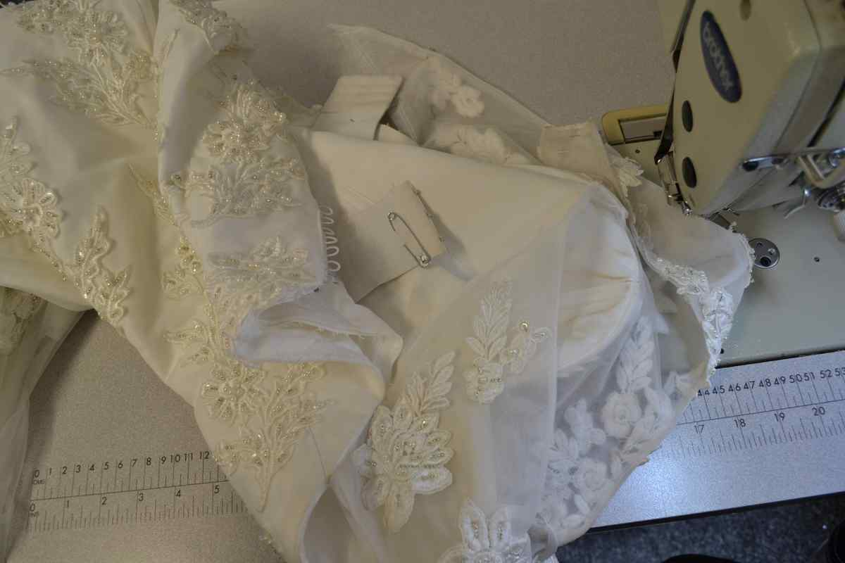 Wedding dress alterations prices wedding dress alteration for Wedding dress alterations indianapolis